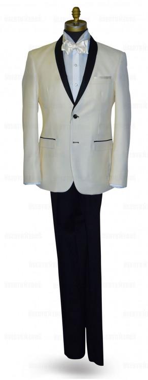 Ivory Coat With Black Shaw Collar Ensamble