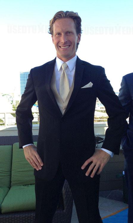 2 Button Black Tuxedo Notch Lapel-Slim Fit